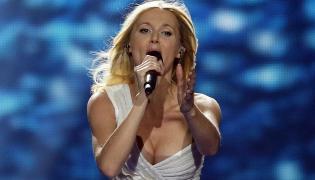 Kasia Moś podczas pierwszego półfinału Eurowizji
