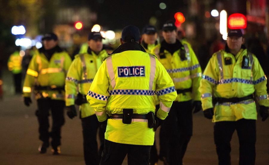 Zamach w Manchesterze. Policja na ulicach miasta