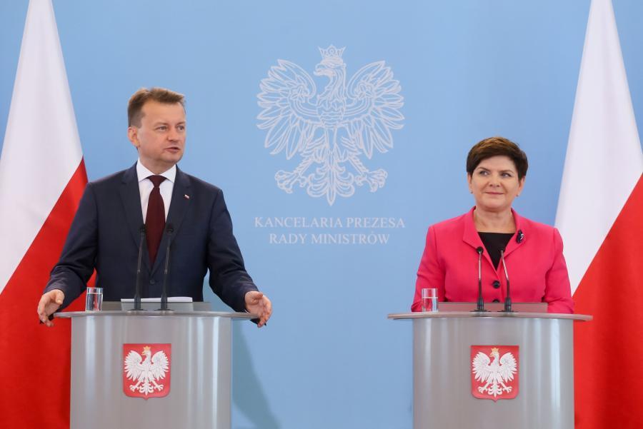 Premier Beata Szydło i szef MSWiA Mariusz Błaszczak