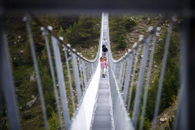 Najdłuższy na świecie most wiszący dla pieszych w Zermatt 7