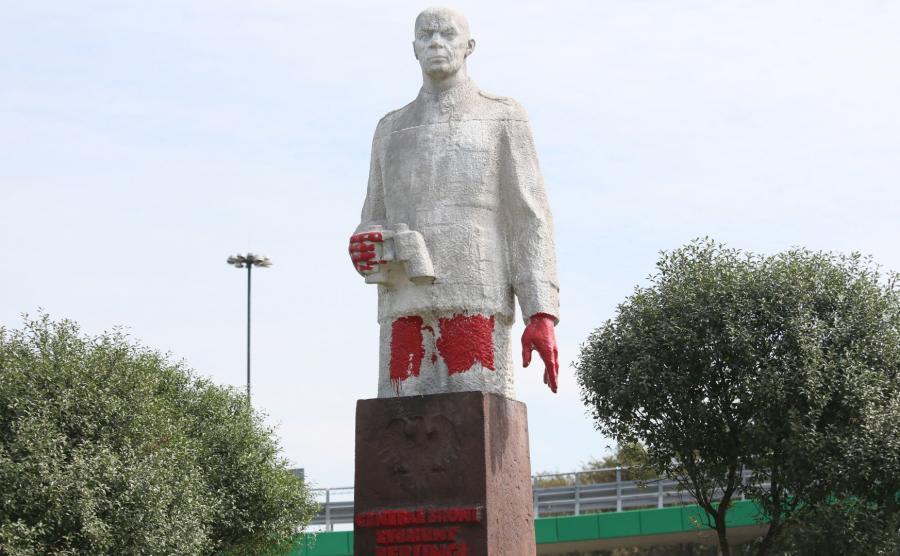 pomnik generała Zygmunta Berlinga