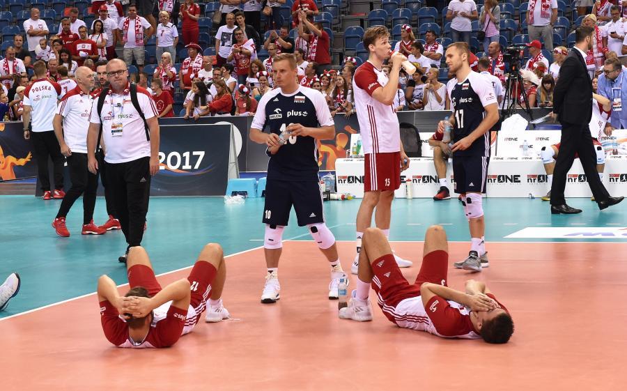 Polscy siatkarze po przegranym 0:3 meczu barażowym ze Słowenią o awans do ćwierćfinału mistrzostw Europy
