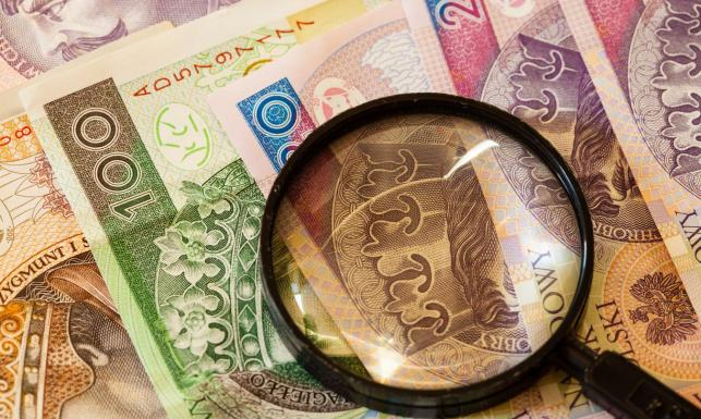 Partia Razem wyliczyła, ile są warte akcje BZ WBK, które ma Morawiecki. Jest odpowiedź resortu rozwoju