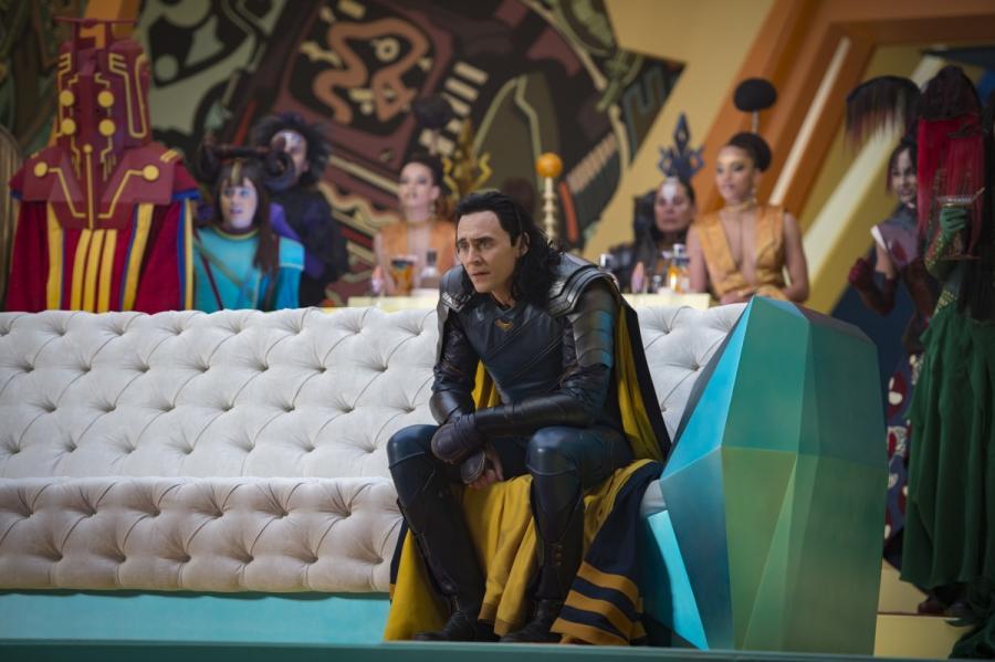 """Tom Hiddleston w filmie """"Thor: Ragnarok"""". Polska premiera 25 października 2017 roku"""