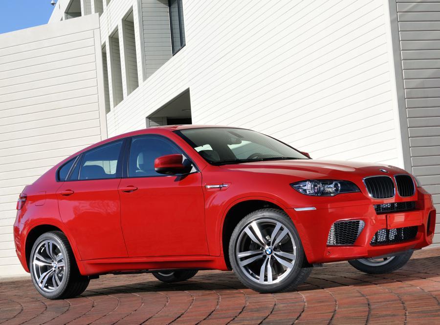 Zobacz, jak BMW odróżnia fanów PiS od PO