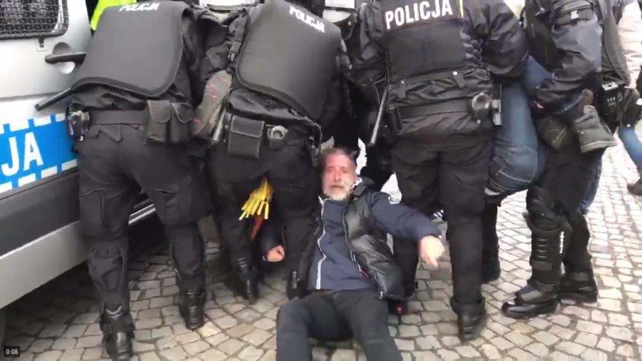 Interwencja policji wobec Obywateli RP