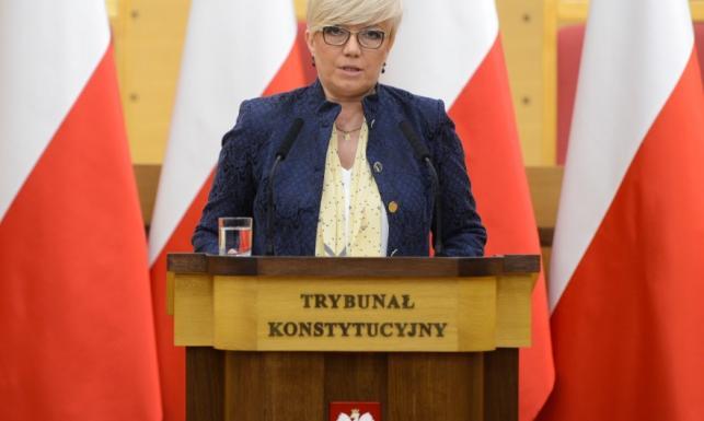 Na zmianę nigdy nie jest za późno! Rewelacyjna metamorfoza prezes Przyłębskiej. FOTO