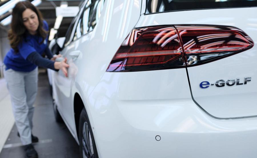Volkswagen e-Golf - elektryczny kompakt