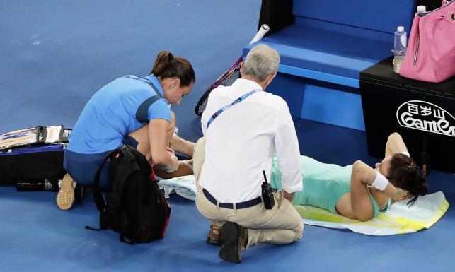 Australian Open: Organizm odmawiał posłuszeństwa Radwańskiej. Polka poległa w 3. rundzie [FOTO]