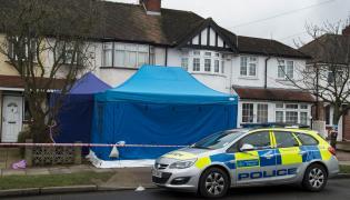 Brytyjscy eksperci w domu, gdzie znaleziono ciało Nikołaja Głuszkowa