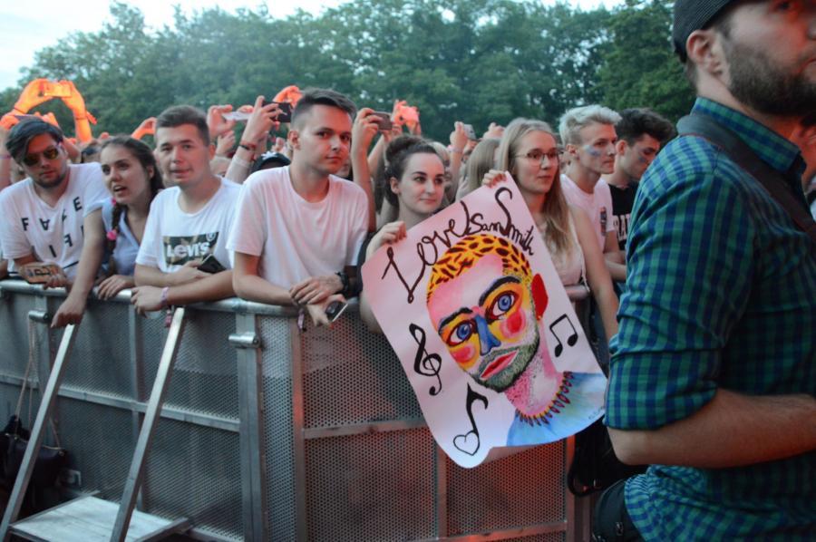 Tłum fanów podczas Orange Warsaw Festival. 1 czerwca 2018