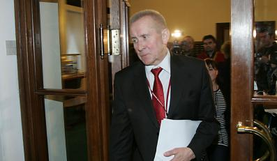 Minister Andrzej Czuma na wylocie?