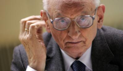 Bartoszewski o Steinbach: Ignorować tę panią