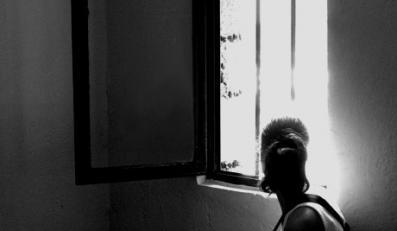Ofiara policjanta-gwałciciela powiesiła się