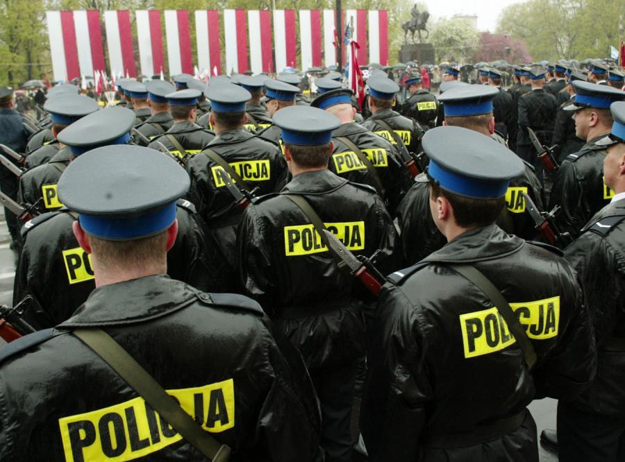 Policjanci obrazili się na Sejm