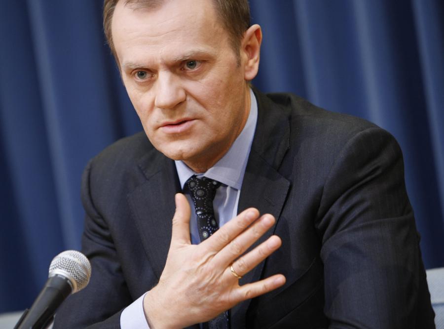 Tusk: Za co prezydent bierze pieniądze?
