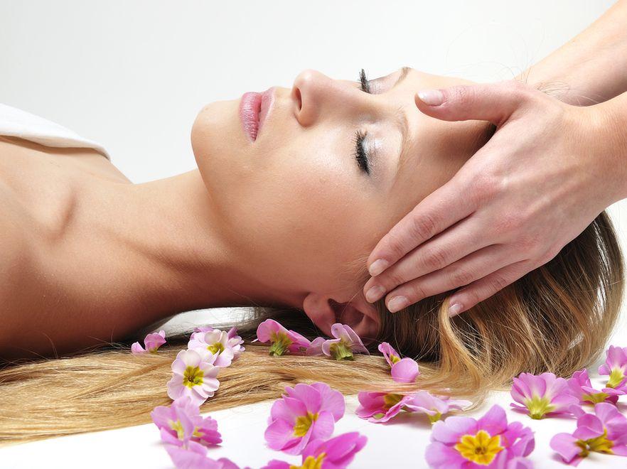 Zabiegi pielęgnacyjne, masaż