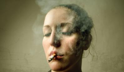 Naukowcy podejrzewają, że rak płuc pomaga w rzuceniu palenia