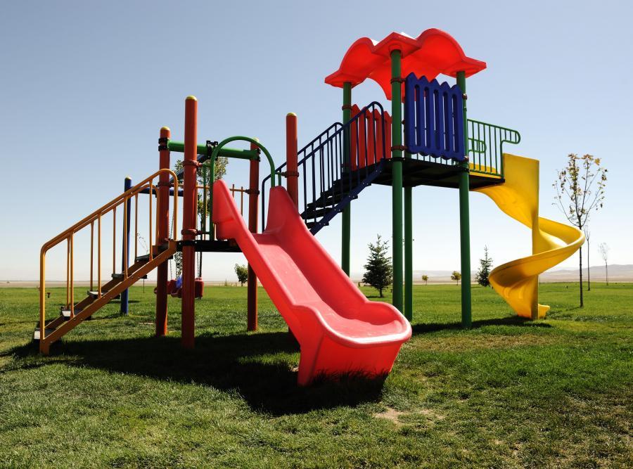 Co czwarty plac zabaw niebezpieczny dla dzieci