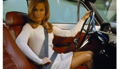 13 sierpnia w 1959 roku w salonie Volvo w szwedzkim Kristianstad pojawiło się pierwsze auto z trzypunktowymi pasami bezpieczeństwa. Potem wynalazek inżyniera Nilsa Bohlina wprowadzili inni. Pasy uratowały ponad milion osób. A ty zapinasz pasy, czy walisz głową w szybę?