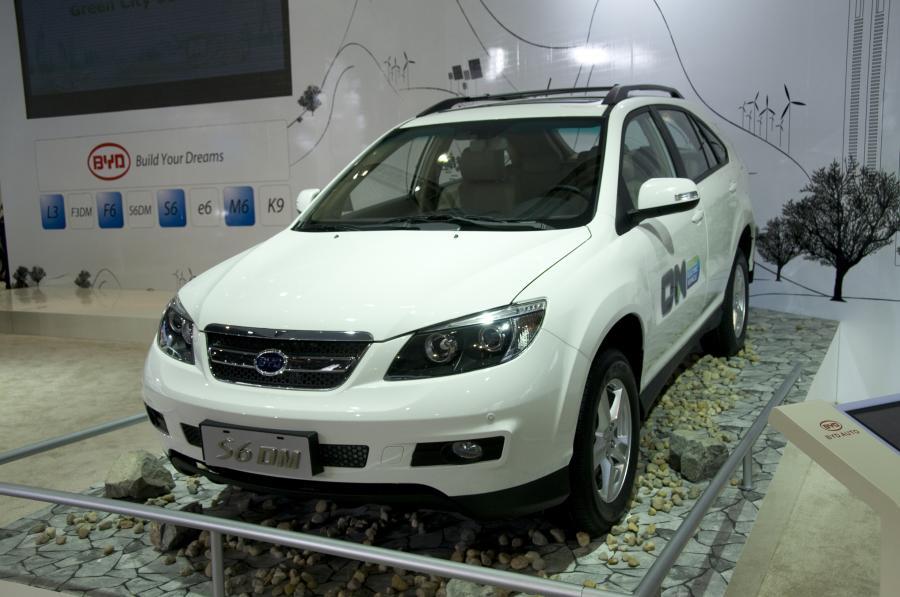 Hybrydowy SUV S6DM w trybie elektrycznym może pokonać dystans 60 kilometrów