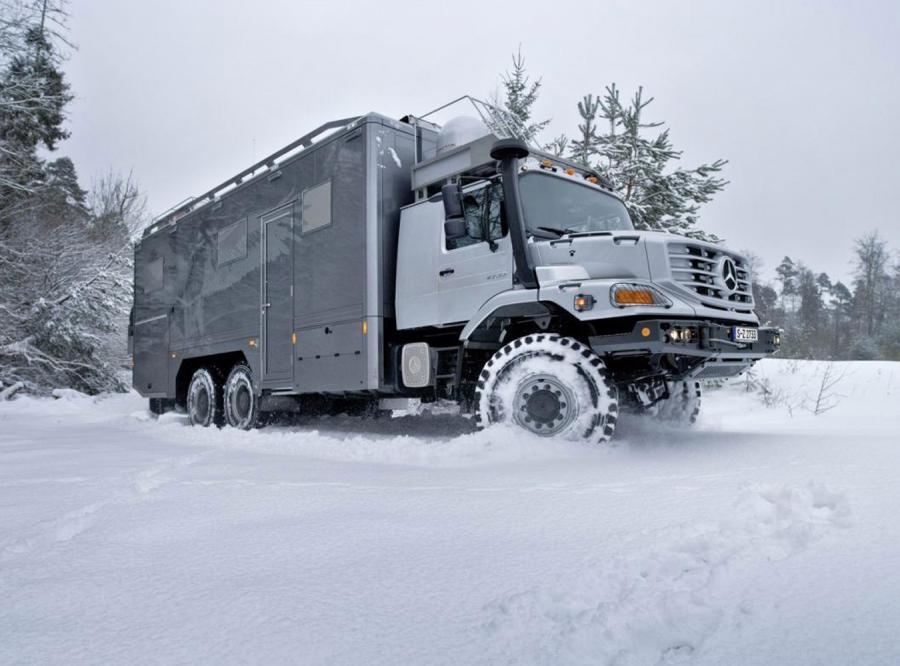 Mercedes zetros to bestia, która uwielbia niepokonane szlaki i wielkie obciążenia