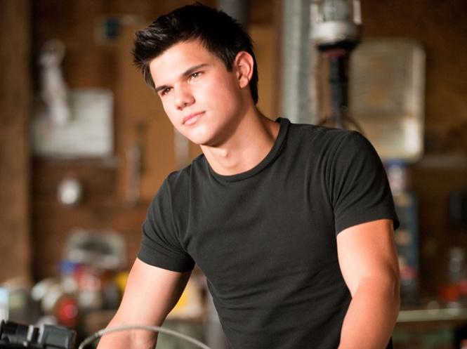 Taylor Lautner w \