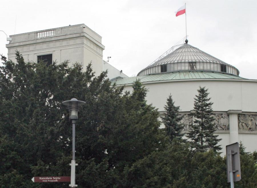Sejm szykuje bat na urzędników