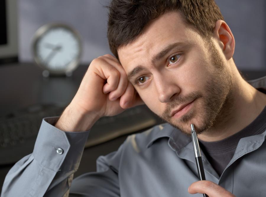 Niezadowolony pracownik, zdjęcie ilustracyjne