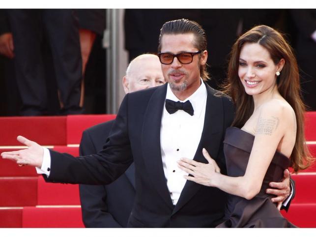 """Angelina Jolie i Brad Pitt na pokazie filmu """"The Tree of Life"""" podczas 64. Festiwalu Filmowego w Cannes"""