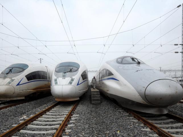 Szybkie pociągi gotowe do drogi