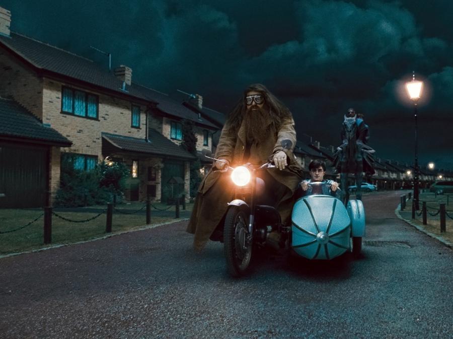 """8. """"Harry Potter i Insygnia Śmierci: Część II"""" –1,341 miliarda dolarów"""