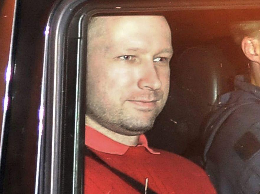 Breivik kontaktował się przed zamachami z portugalskimi ekstremistami