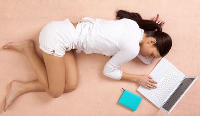 Rezygnacja ze snu może zwiększyć ryzyko zapadnięcia na SM