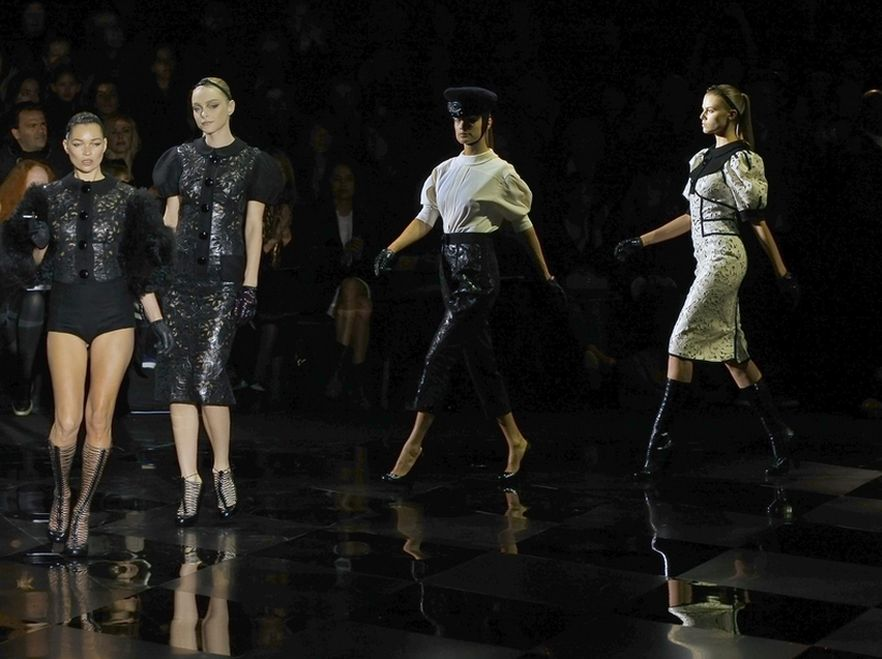 Pokaz kolekcji Louis Vuitton.
