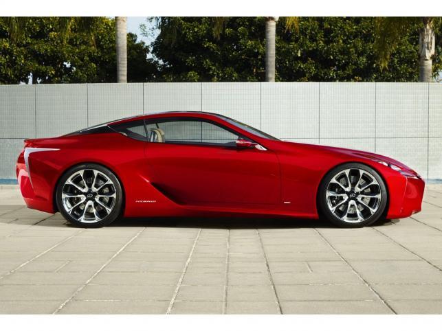 Kilka dni temu Lexus chwalił się kawałkami swojego nowego prototypu. W końcu Japończycy ujawnili wygląd auta i nazwę - LF-LC