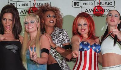 Spice Girls i sukienka z brytyjską flagą