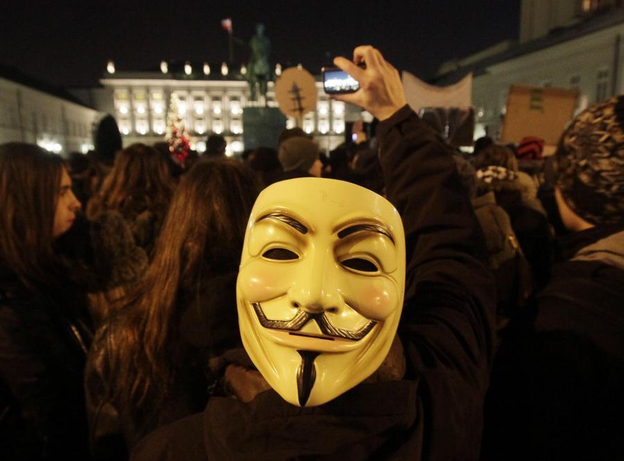 Protest przeciwko ACTA przed Pałacem Prezydenckim