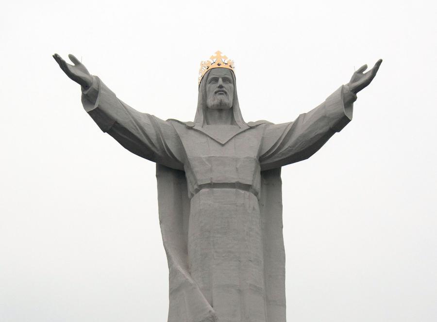Chrystus Król w szaliku kibiców obraża uczucia religijne?
