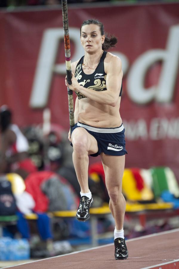 Jelena Isinbajewa w trakcie mityngu lekkoatletycznego Pedros Cup 2012 w Bydgoszczy