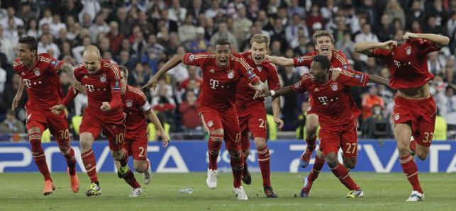 Radość piłkarzy Bayernu Monachium po awansie do finału Ligi Mistrzów