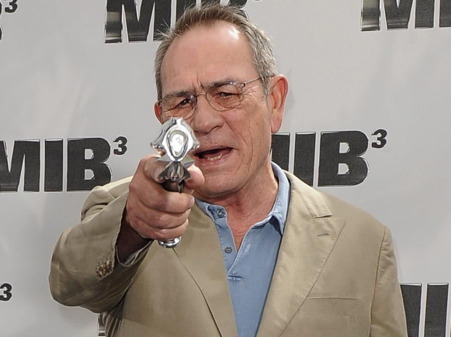 Tommy Lee Jones promuje \