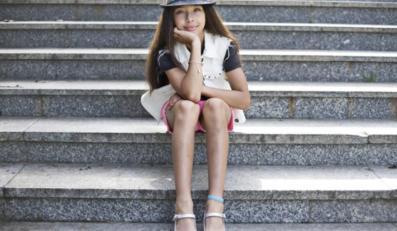 Venessa Mensah w reklamie butów Croolewna