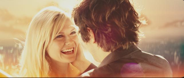 """Kirsten Dunst i Jim Sturgess w filmie """"Odwróceni zakochani"""""""