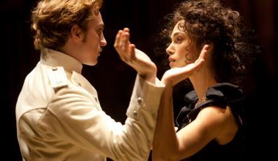 """Aaron Taylor-Johnson i Keira Knightley w tanecznej scenie z """"Anny Kareniny"""""""