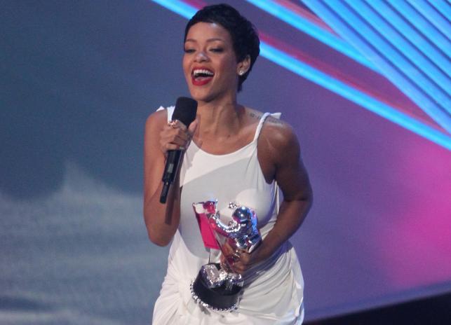 Rihanna nagrodzona MTV Video Music Awards 2012