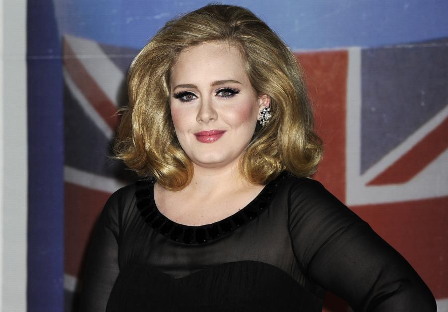 Adele jednak zaśpiewa dla Bonda