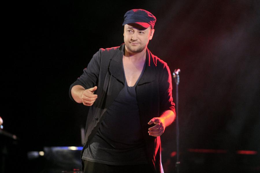 Czesław Mozil śpiewa w Stodole
