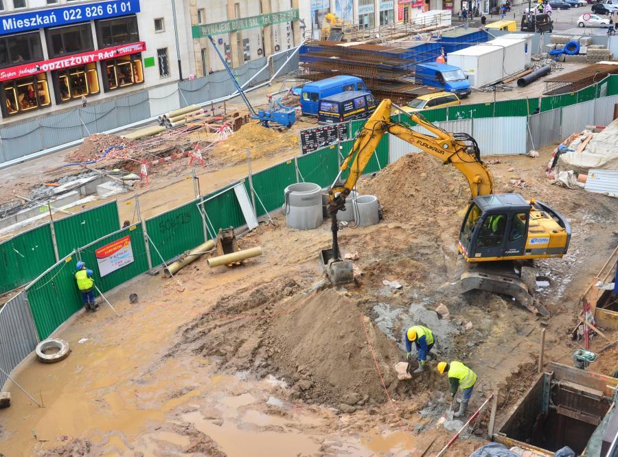 Dziura na budowie metra