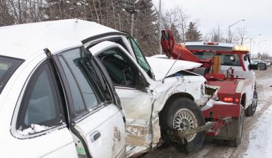 Wypadek? Uważaj na oszusta za kierownicą